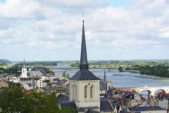 Eglise Saint-Pierre -  Église Saint-Pierre-du-Marais et la Loire vues du château de Saumur (49).