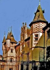 Hôtel de ville - Français:   Du 15è au 19è siècle