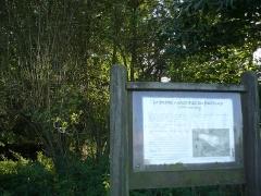 Dolmen de la Petifaie - Français:   Ferrière de Flée - Site du dolmen de la Petifaie