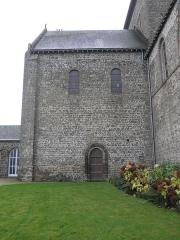 Eglise - Français:   Transept nord de l\'église Notre-Dame d\'Ambrières-les-Vallées (53).