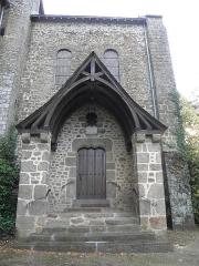 Eglise - Français:   Porche du transept sud de l\'église Notre-Dame d\'Ambrières-les-Vallées (53).
