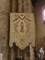 Eglise - Français:   Bannière de l\'église Notre-Dame d\'Ambrières-les-Vallées (53).
