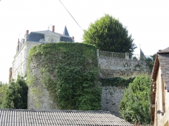 Château (restes) - This image was uploaded as part of Wiki Loves Monuments 2012.