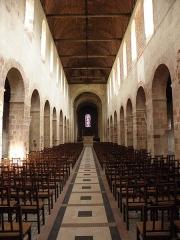 Eglise Saint-Jean-Baptiste - Français:   Intérieur de l\'église Saint-Jean-Baptiste de Château-Gontier (53). Nef.