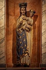Chapelle de Charné -  Statue de Notre-Dame de Charné en la chapelle éponyme d\'Ernée (53).