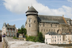 Château Vieux - This building is indexed in the Base Mérimée, a database of architectural heritage maintained by the French Ministry of Culture,under the reference PA00109527 .
