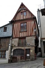 Maison du 16e siècle, dite Maison des Maires - Français:   Maison des Maires à Laval, Mayenne.