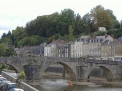 Vieux pont sur la Mayenne - Français:   Laval Le pont vieux