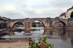 Vieux pont sur la Mayenne - Français:   Pont-Vieux de Laval.