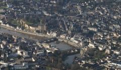 Château - Français:   Vue aérienne du château de Mayenne