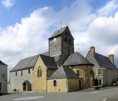 Eglise paroissiale Notre-Dame - Français:   Extérieur de l\'église Notre-Dame de Cossé-en-Champagne (53). Flanc sud et chevet.
