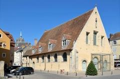 Halles - Français:   Anciennes halles, actuellement lieu d\'exposition - La Ferté-Bernard, Sarthe