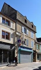 Maison - Français:   Maison au poteau sculpté du 15 rue d\'Huisne - La Ferté Bernard, Sarthe