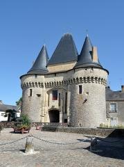 Porte - Français:   Porte Saint-Julien - La Ferté-Bernard, Sarthe