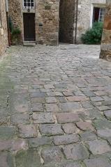 Sol de maison à maison de la Cour d'Assé - Français:   Sol pavé de la cour d\'Assé au Mans.