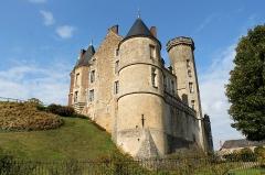 Château - Français:   Le château de Montmirail, Petite Cité de Caractère