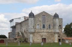 Abbaye de Lieu-en-Jard ou Lieu-Dieu - Français:   Abbaye de Lieu-Dieu, Fr-85-Jard-sur-Mer.
