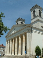 Eglise Saint-Louis - English: Theatre