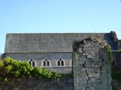 Porte de l'ancienne église abbatiale de Notre-Dame du Voeu - Français:   Photographie montrant les ruines de l\'abbaye Notre-Dame du Vœu, à Cherbourg-Octeville.