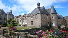 Château - This building is indexed in the Base Mérimée, a database of architectural heritage maintained by the French Ministry of Culture,under the reference PA00110400 .