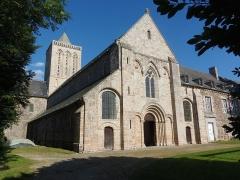 Abbaye de la Lucerne - Français:   La Lucerne-d\'Outremer (Normandie, France). L\'abbatiale.