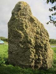 Menhir - Français:   menhir de la Grande Pierre