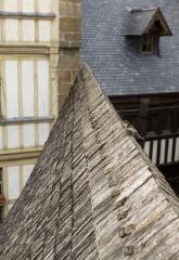 Maison Piquerel - Deutsch: Haussperling in Le Mont-Saint-Michel, Frankreich