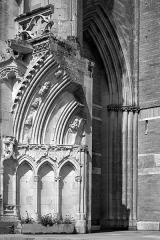 Eglise Notre-Dame - English: Portal of Notre-Dame church, Saint-Lô, Normandy, France.