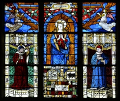 Eglise Notre-Dame - English: Stained glass window of the Assumption of Mary attributed to Arnold of Nijmegen, Notre-Dame church of Saint-Lô, Normandy, France.