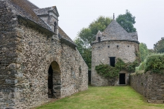 Manoir de Dur-Ecu - This building is indexed in the base Mérimée, a database of architectural heritage maintained by the French Ministry of Culture,under the reference PA00110624 .