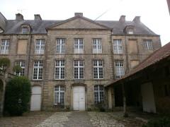 Hôtel de Grandval-Caligny - Français:   Hôtel Grandval-Caligny, rue des religieuses, Valognes - Façade