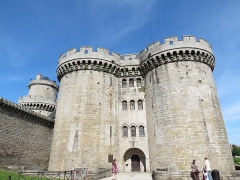 Ancien château - This image was uploaded as part of Wiki Loves Monuments 2012.