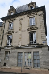 Maison dite de Henri IV - This building is indexed in the Base Mérimée, a database of architectural heritage maintained by the French Ministry of Culture,under the reference PA00110728 .