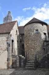 Enceinte de la ville - English: Domfront (France, Normandy) tower and stairs of city walls.