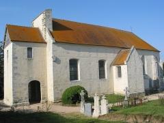 Eglise de Vaux-le-Bardoult - Français:   Eglise rurale comprenant un choeur du 14e siècle. La nef a été rebâtie en 1761. Dans l\'axe de la nef, à l\'ouest, fut élevée une tour carrée formant porche. L\'église a été entièrement rénovée il y a peu.