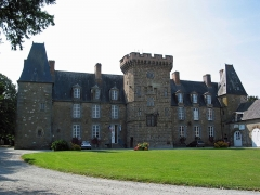 Château - This building is indexed in the Base Mérimée, a database of architectural heritage maintained by the French Ministry of Culture,under the reference PA00110896 .