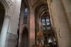 Cathédrale Notre-Dame - Vue du Chœur de la cathédrale