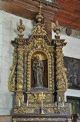 Eglise Notre-Dame - Nederlands: Een van de twee zij-altaren van de kerk (Notre Dame) van Auquainville (departement Calvados, Normandië, Frankrijk). Deze kerk is een historisch monument.