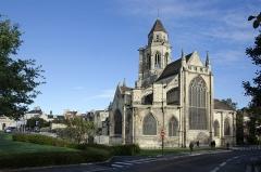 Ancienne église de Saint-Etienne-le-Vieux, actuellement magasin communal - Français:   Ancienne église Saint-Étienne-le-Vieux