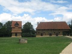 Ancien manoir - Deutsch: Crevecoeur en auge in der Normandie im Department Calvados
