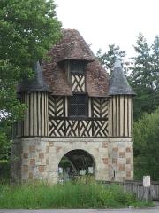 Ancien manoir - Deutsch: Torhaus Crevecoeur en auge in der Normandie im Department Calvados