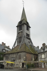 Eglise Sainte-Catherine - This building is classé au titre des Monuments Historiques. It is indexed in the Base Mérimée, a database of architectural heritage maintained by the French Ministry of Culture,under the reference PA00111390 .