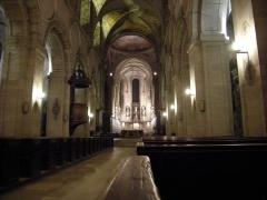 Abbaye Saint-Martin de Mondaye - L'abbatiale de Saint-Martin de Mondaye de nuit.