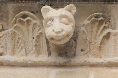 Eglise - Français:   Modillon de l\'église Notre-Dame d\'Ouville-la-Bien-Tournée (Calvados)