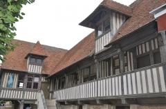 Ancien couvent des Dominicains de l'Isle - English: France, Normandy, Pont l'Evêque