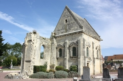 Eglise de Saint-Manvieu - This building is indexed in the Base Mérimée, a database of architectural heritage maintained by the French Ministry of Culture, under the reference PA00111692 .
