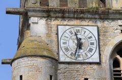 Eglise - Français:   Horloge du clocher de l\'église d\'Urville (Calvados). Fabriquée par la fonderie Cornille-Havard à Villedieu-les-Poêles (Manche).