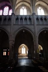 Eglise Notre-Dame - Intérieur de l'église Notre-Dame d'Auxonne (21). Élévation de la nef.