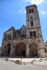 Eglise Notre-Dame - Extérieur de l'église Notre-Dame d'Auxonne (21).