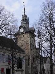 Beffroi - Français:   Tour de l\'horloge à Beaune (Côte-d\'Or, France).